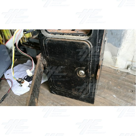 Arcade Machine Coin Door and Cash Box Assembly #04 - Arcade Machine Coin Door and Cash Box Assembly #04